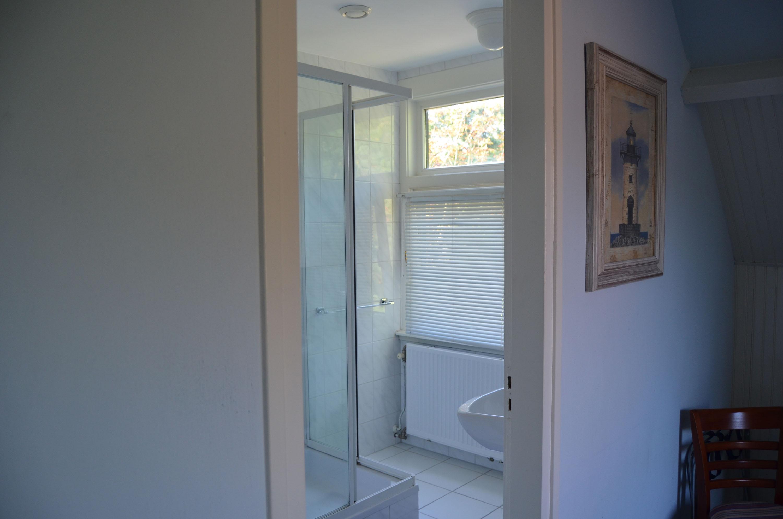 kamer 3 badkamer klein.jpg
